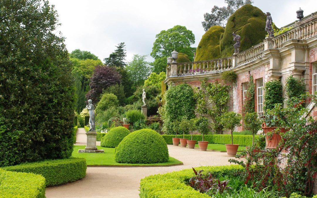 Powis Castle et ses jardins en terrasses