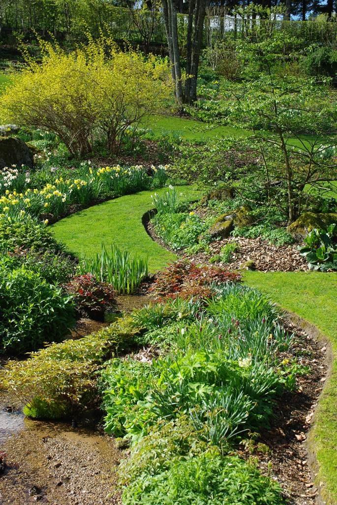 le jardin de berchigranges dans les vosges la terre est. Black Bedroom Furniture Sets. Home Design Ideas