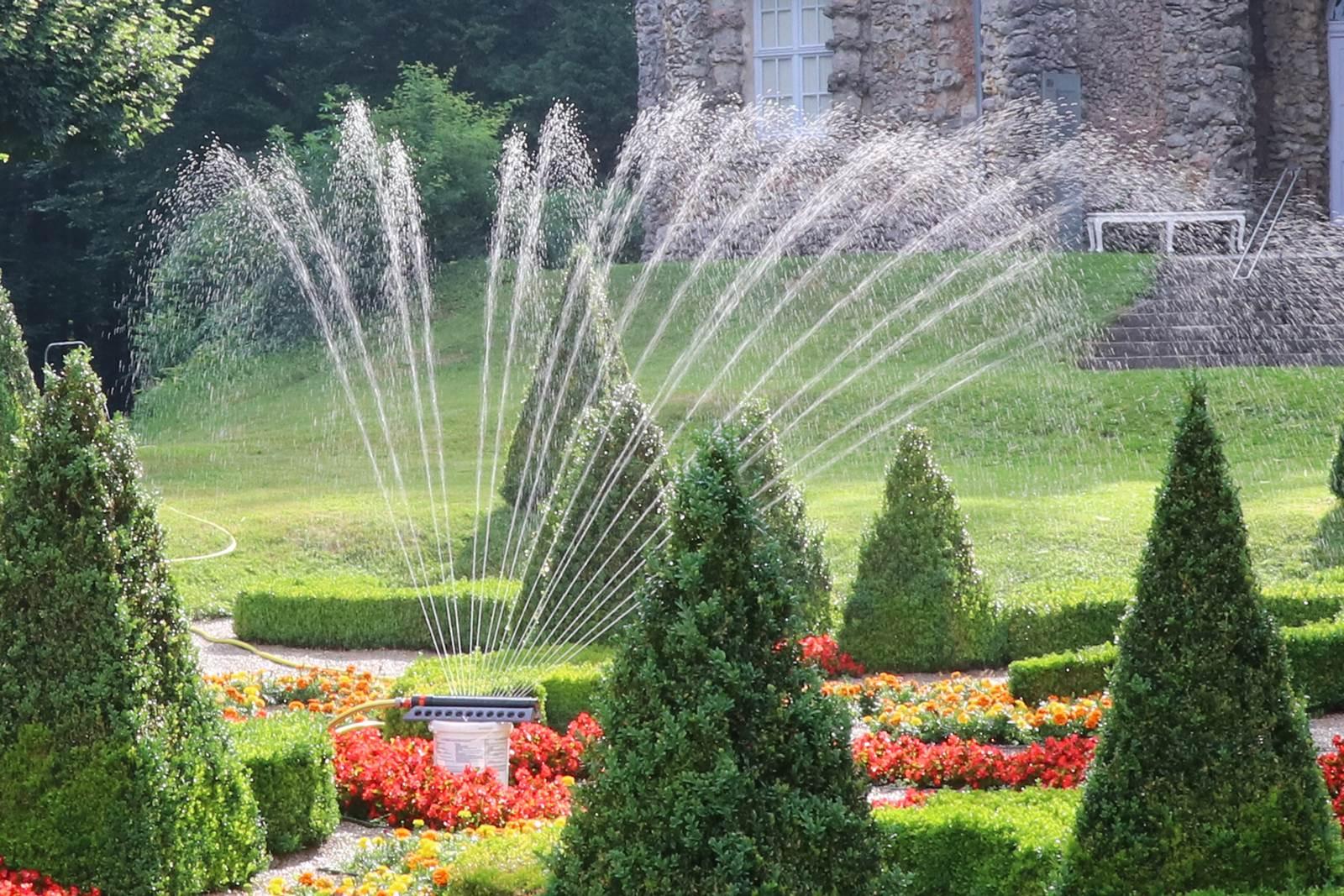 Comment Arroser Jardin Pendant Vacances arroser sans gaspiller au jardin - la terre est un jardin