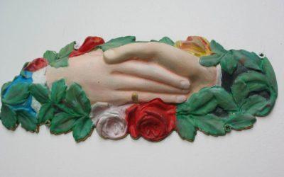 L'histoire d'Alice, couronnée de fleurs