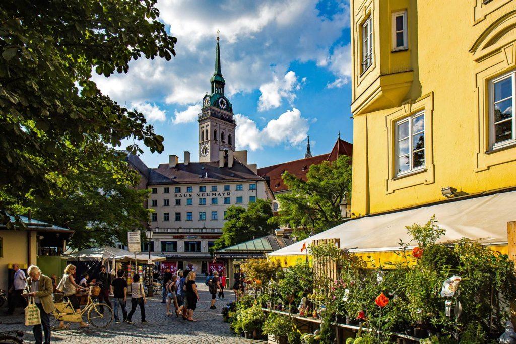 Munich Viktualienmarkt photo Werner Boehm