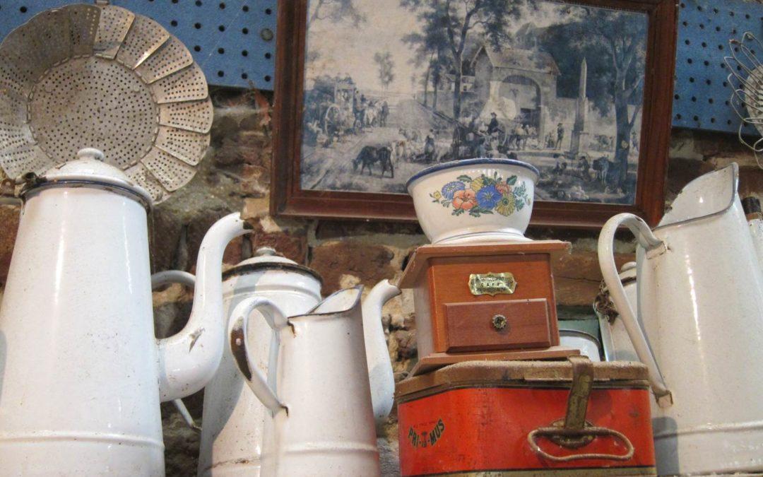 Collection d'outils agricoles anciens, la vie d'un village