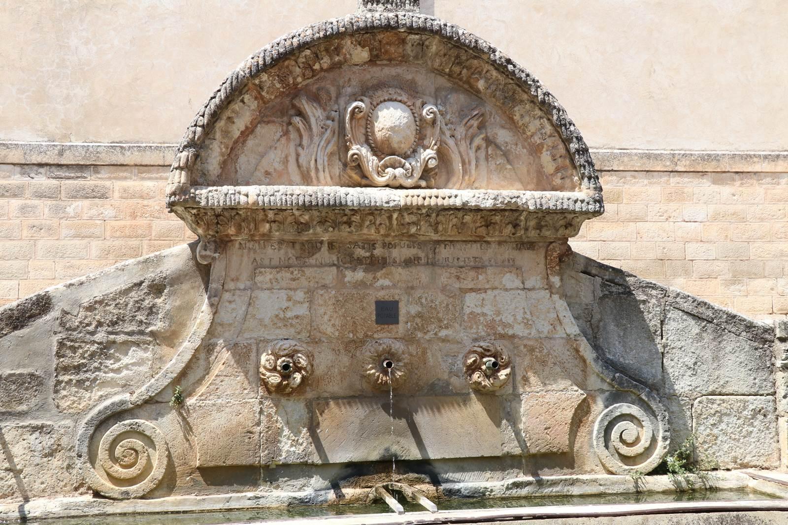 St Saturnin en Apt Luberon