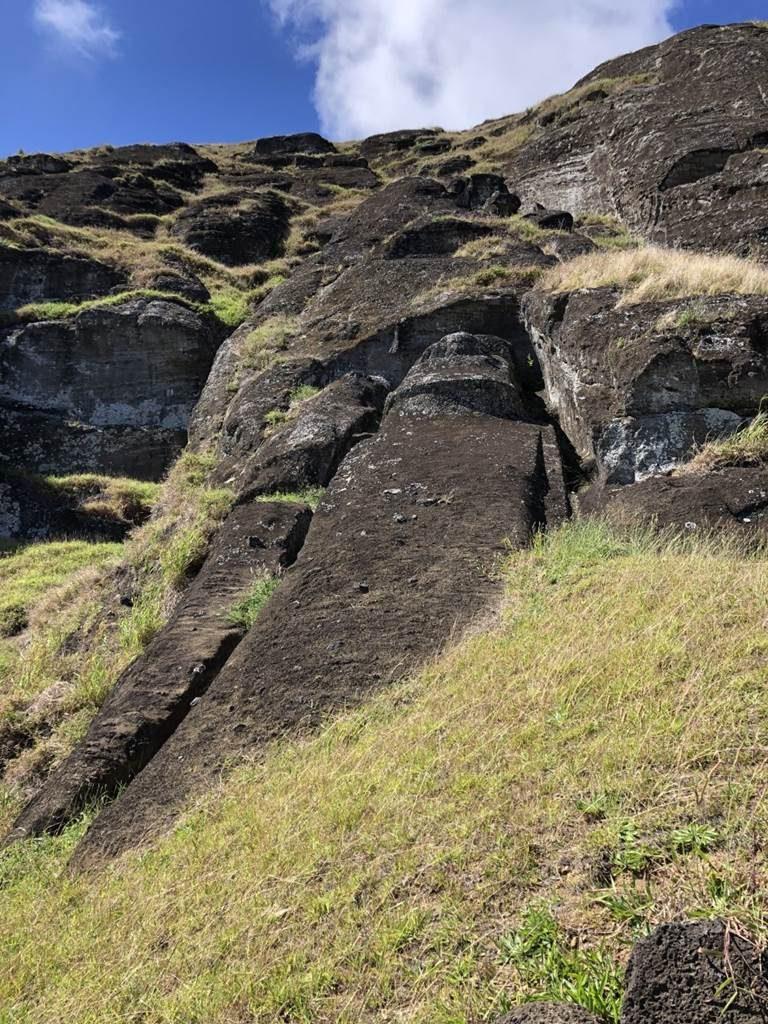 Ile de Paques Rano Raraku Moai couché