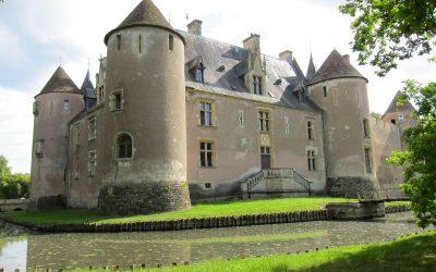 Le Château d'Ainay-le-Vieil et ses jardins