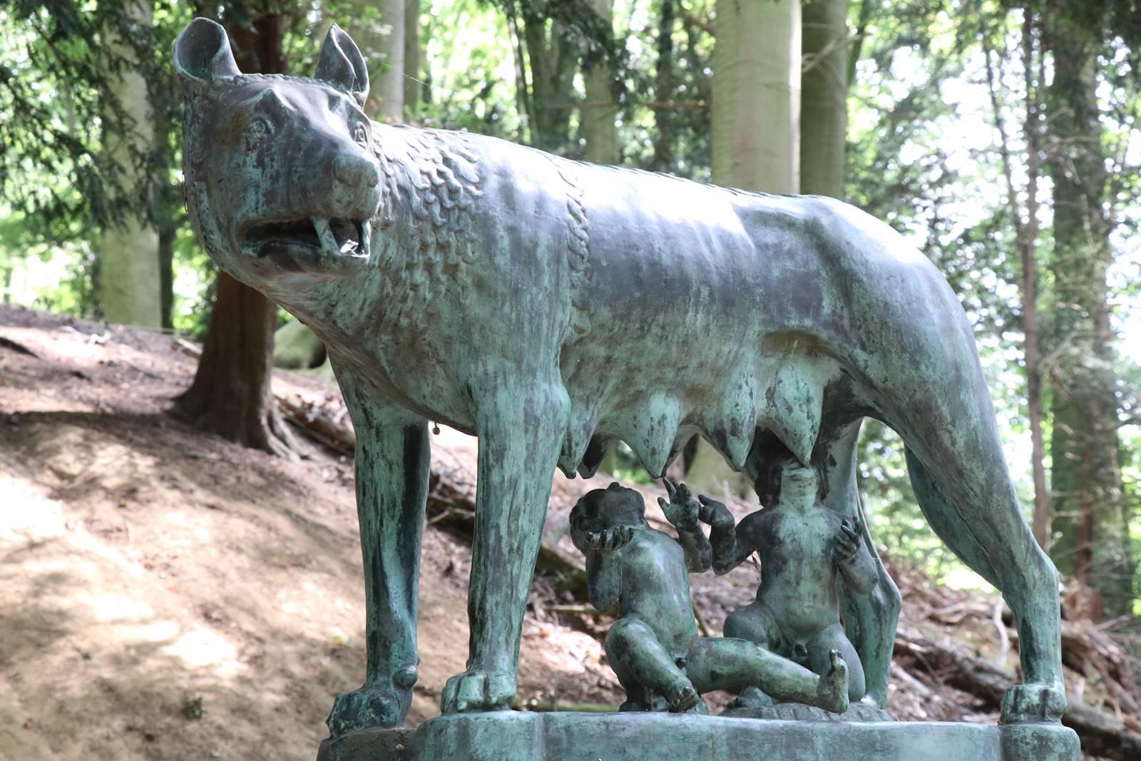La Louve et Romulus et Remus Enghien