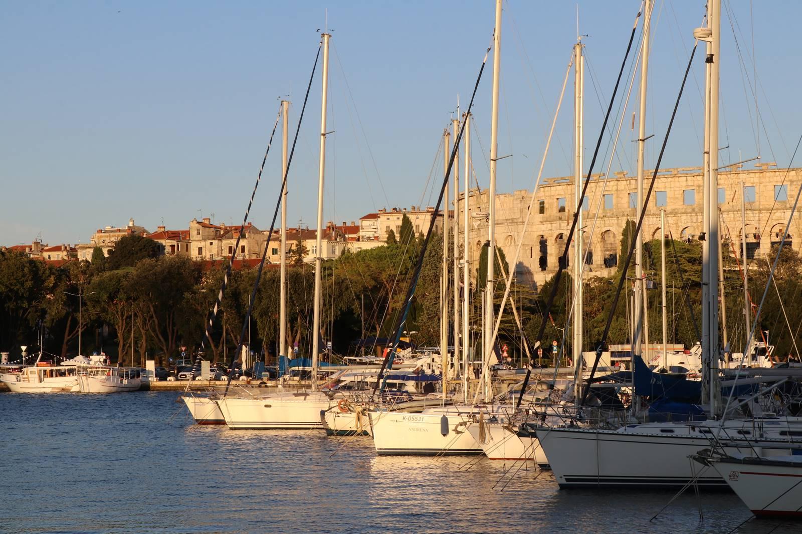 Port de Pula Istrie Croatie