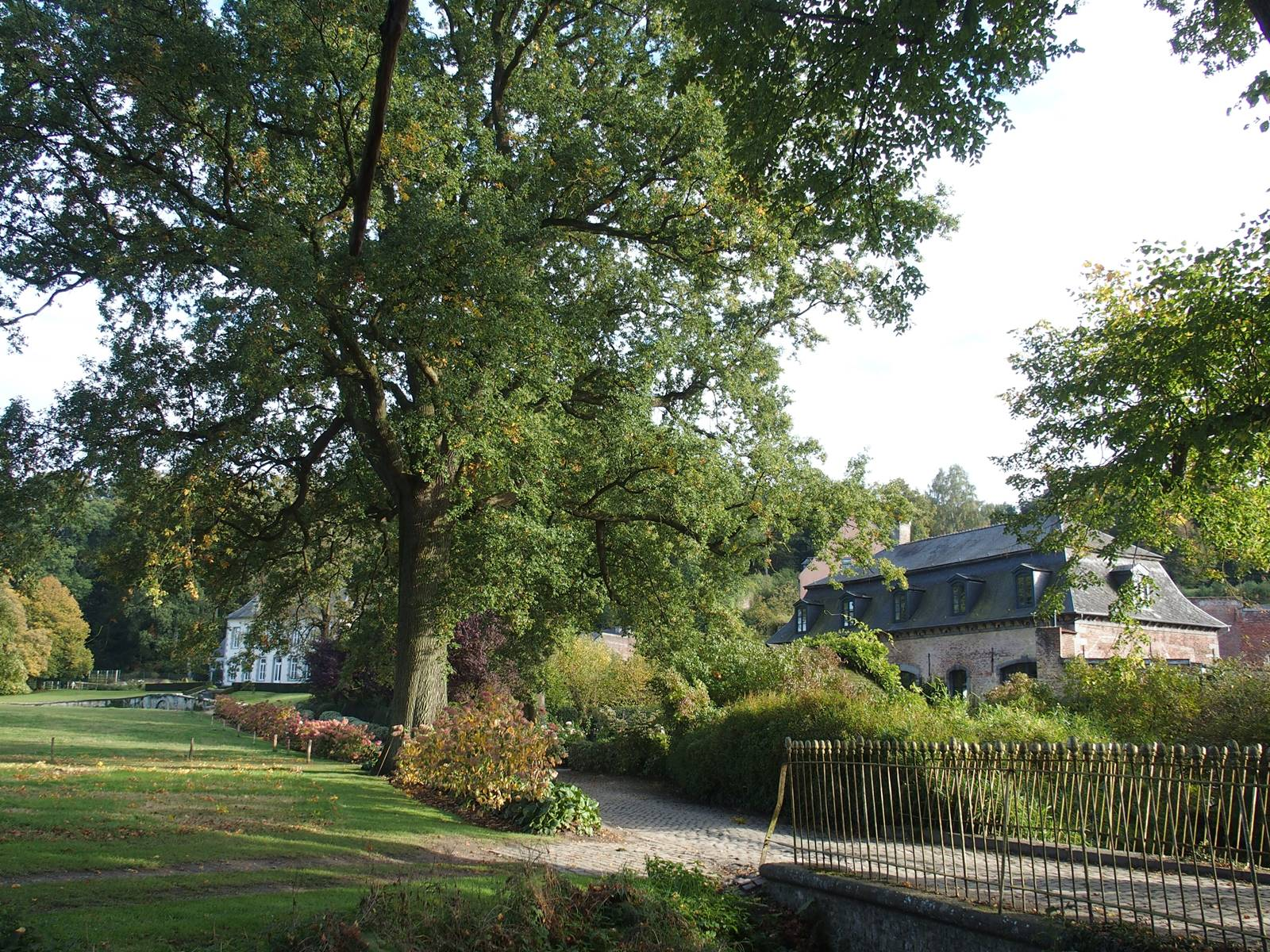 Abbaye d'Aywiers
