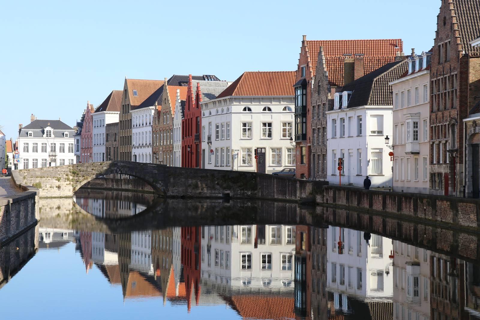 Place Jan Van Eyck Bruges (1)