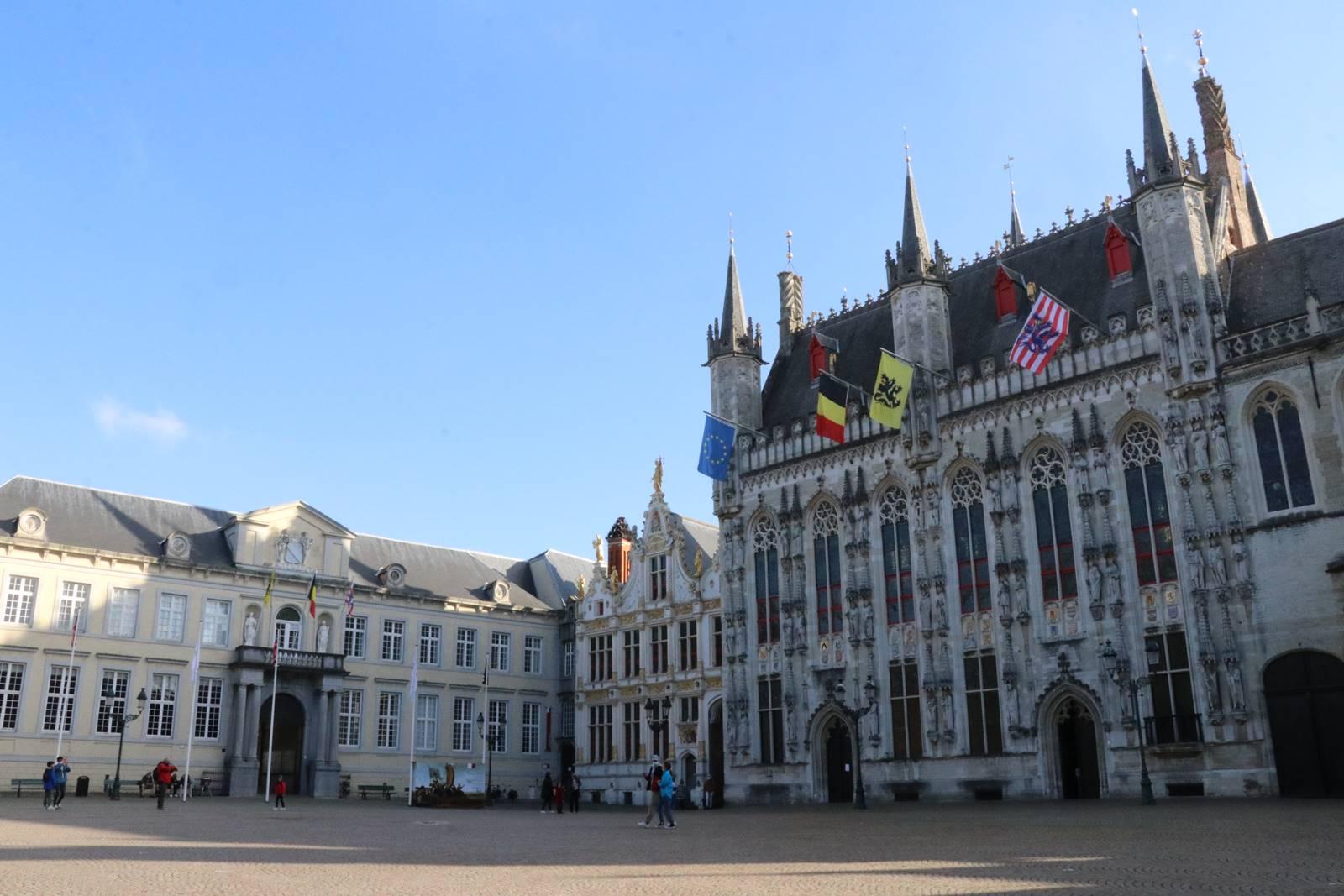 Place du Burg Bruges (3)