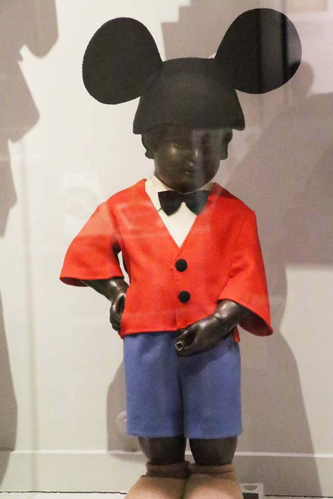 MannekenPis Mickey Mouse USA