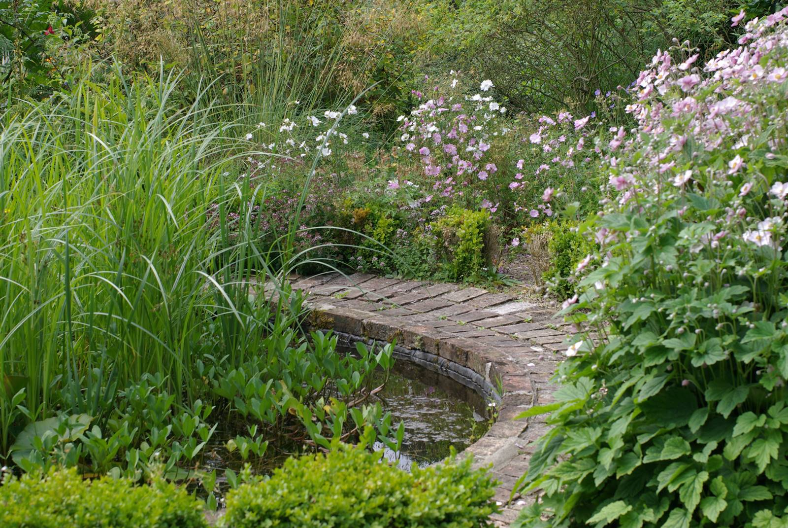 Chesters Walled Garden England (1)