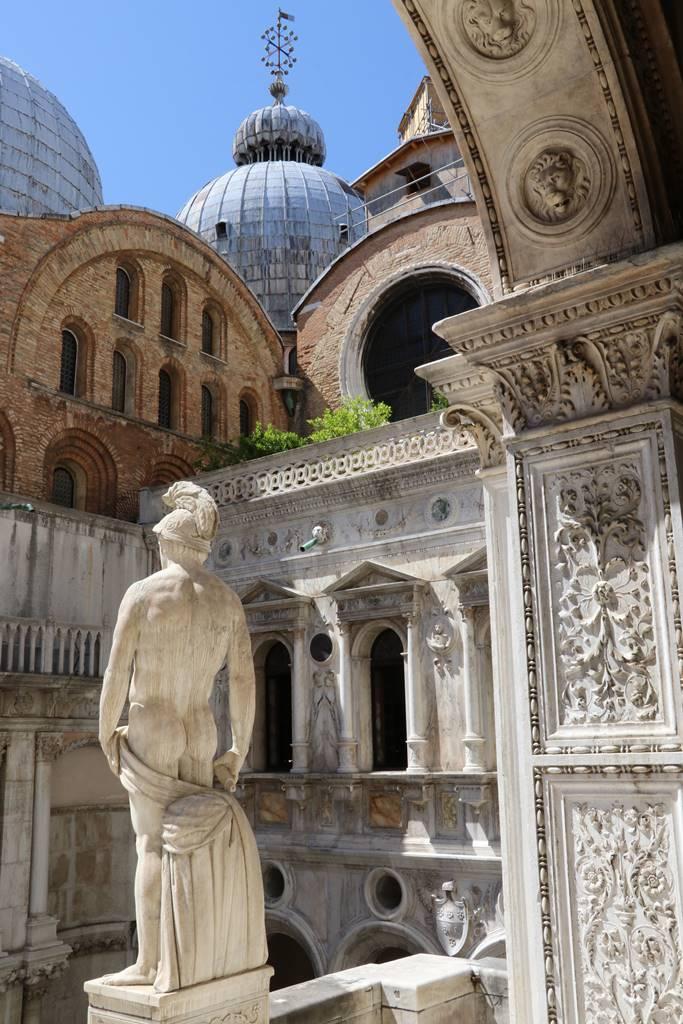 17 Cour du Palais des Doges Venise (4)
