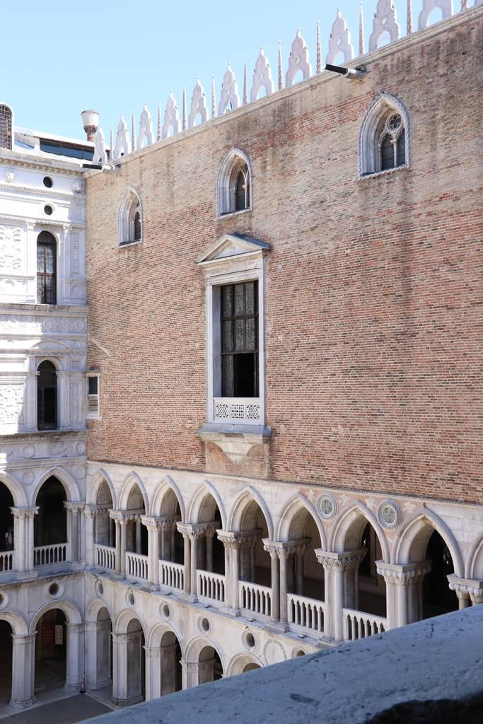 17 Cour du Palais des Doges Venise (7)