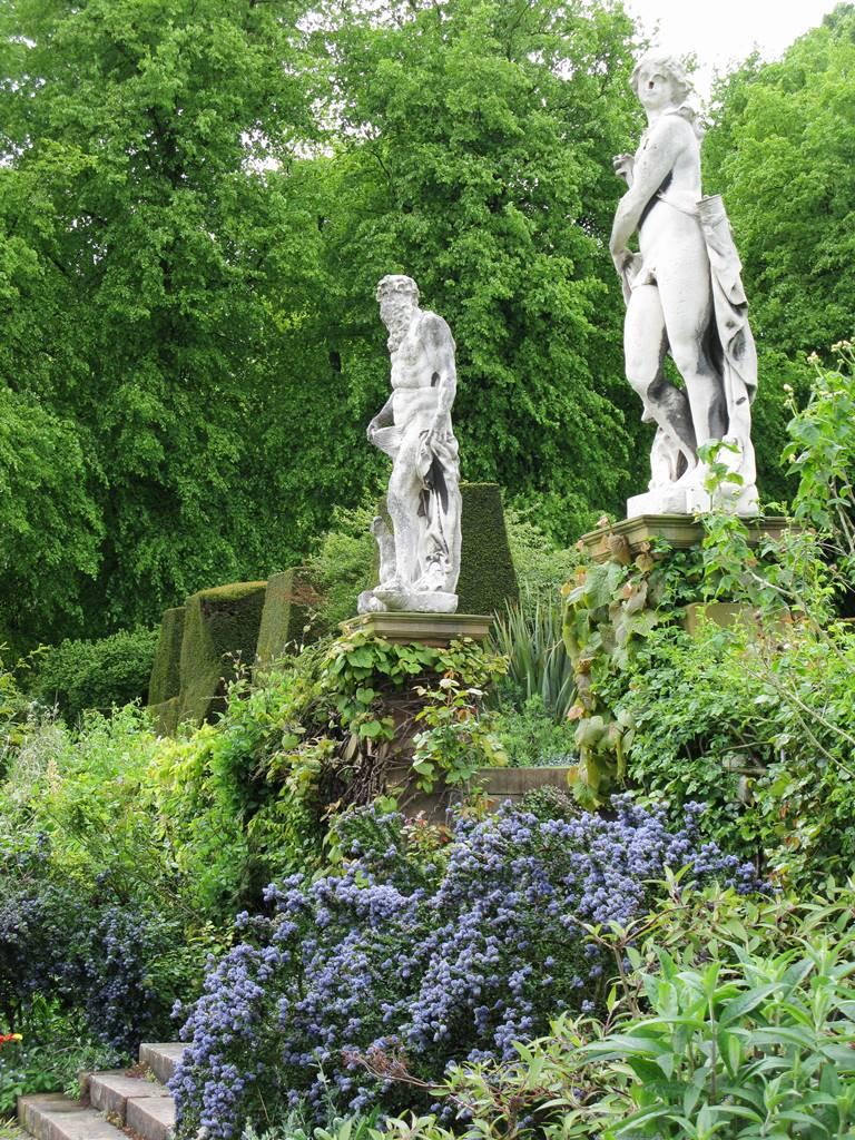 Renishaw Hall Gardens (3)