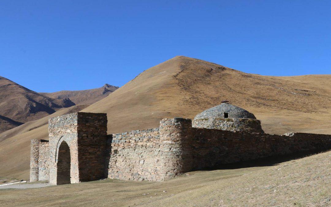 Tach Rabat, au Kirghizistan